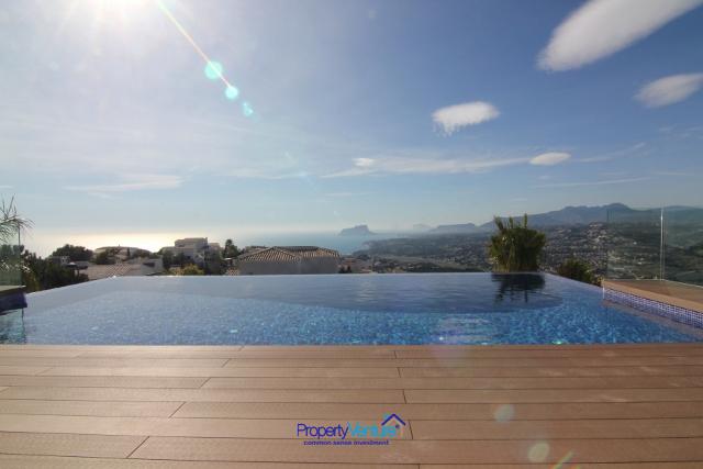 Buy Villa with dreamy sun-set views