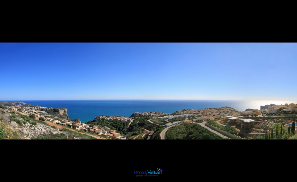 Coastal Mediterranean views from Benitachell penthouse